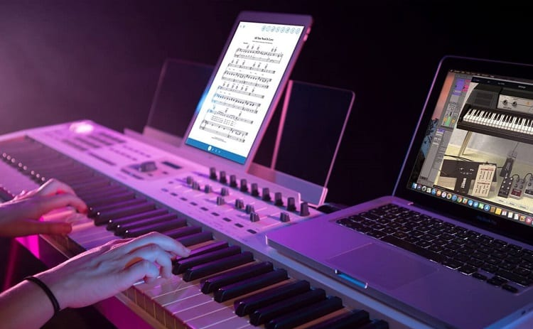 midi controller and notebook