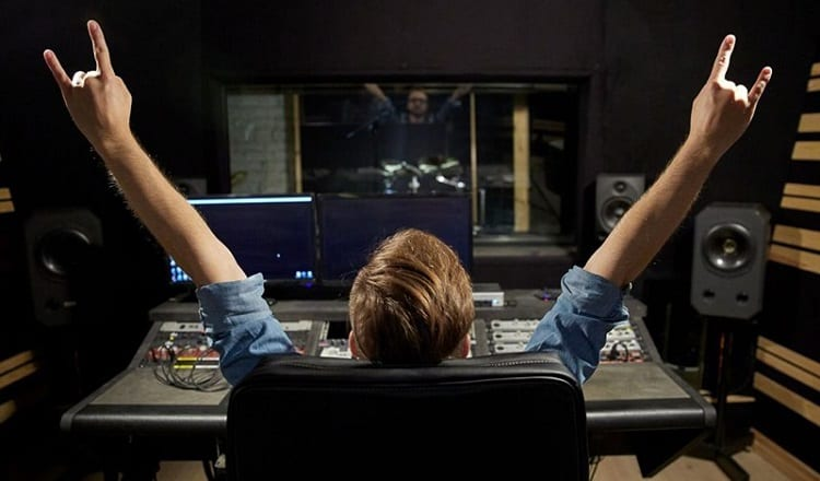 What Do Beginners Really Need (In A Home Studio Software)?